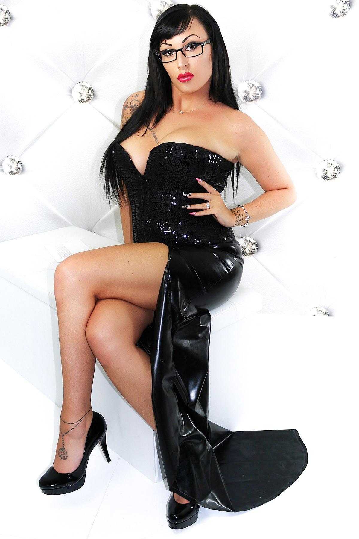 Latex Skirt Miss Strict Basic