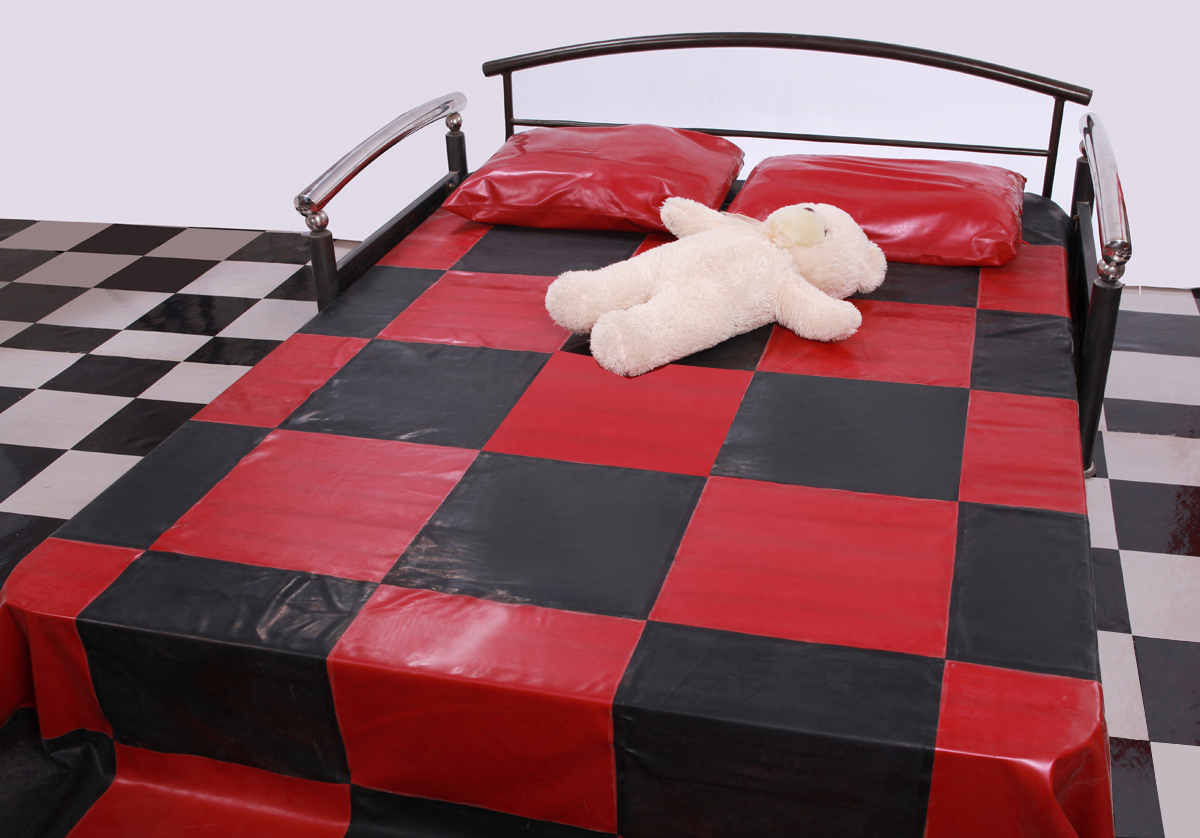 Checkered Rubber Bed Sheet