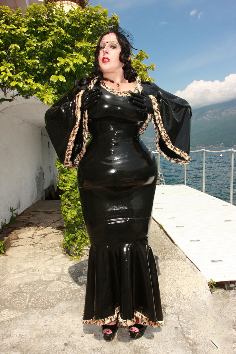 Latex Skirt Madame Leopard
