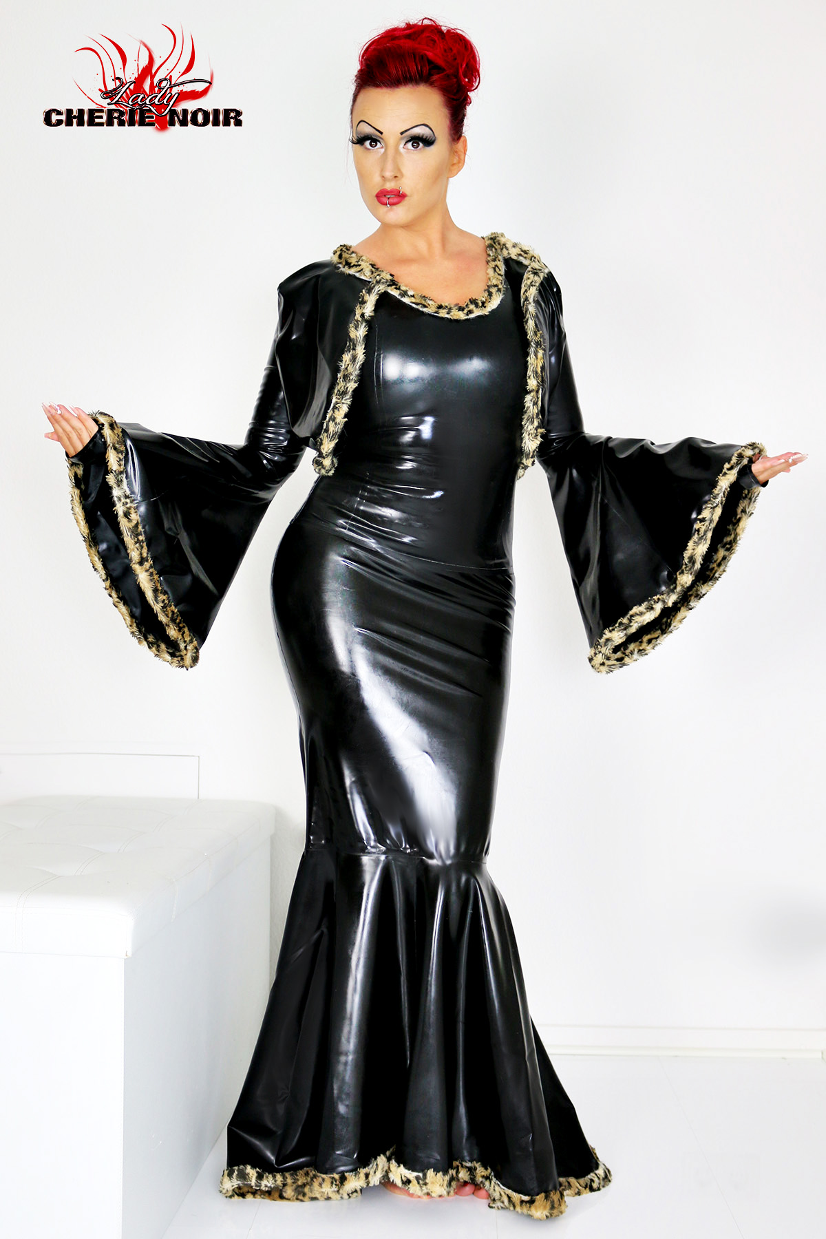 Latex Outfit Morticia